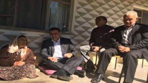 AK Parti'lilerden ilçenin en yaşlı kadınına ziyaret