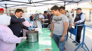 Yozgat Belediyesinden bin 500 kişiye aşure ikramı