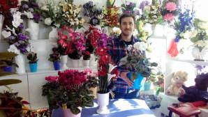 Öğretmenler Günü çiçekçilerin yüzünü güldürdü