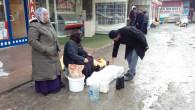 Köylü kadınlar, iş yok diye gezen gençlere örnek oluyor