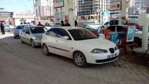 LPG, 2.29'a düştü araç sahipleri istasyona akın etti