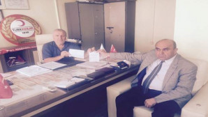YOGİSAD Başkanı Çelik'ten Kızılay'a kurban bağışı