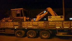 Jandarmadan kaçak kazı operasyonu: Kepçe ve TIR'a el konuldu