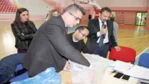 İŞKUR'un okullarda çalışacak 421 kişilik kadroya 2 bin 600 kişi müracaat etti