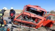 Beton mikseri ve kamyonet çarpıştı: 1ölü, 1 yaralı