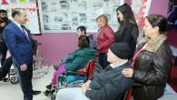 Kreşteki minik öğrencilerden 4 engelli vatandaşa tekerlekli sandalye
