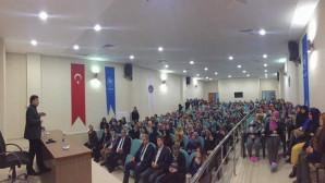 "Milletvekili Başer'den ""Zoru Başaranlar"" konferansı"