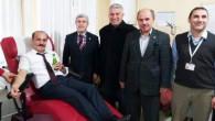 Vali Yurtnaç'tan kan bağışına destek