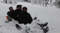 Yozgat'ta gazeteciler karın keyfini kızak kayarak çıkardı