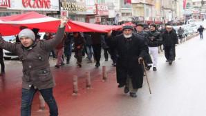 Sarıkayalılar Afrin'deki askerlere destek ve Şehitler için yürüdü