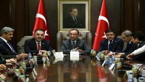 Başbakan Yardımcısı Bozdağ, AK Parti İl Yönetimini kabul etti