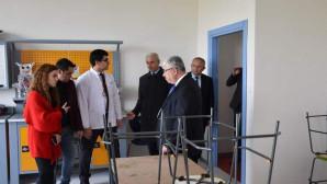 Yazıcı, Sorgun Bahçeşehir Kolejini ziyaret etti