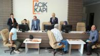 Vali Yurtnaç: Açık Kapı biriminde vatandaşların sorunlarını dinledi
