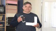 Bulduğu 3 Bin TL'lik Cep telefonun sahibini arıyor