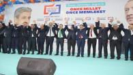 AK Parti yoğun bir katılımla adaylarını tanıttı