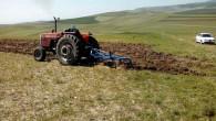 Yozgat'ta çiftçiler anız sürümüne başladı