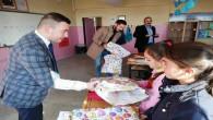 Yozgat Ülkü Ocaklarından köy ilkokulu öğrencilerine kırtasiye yardımı