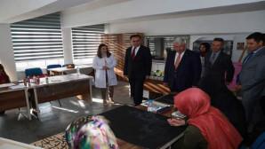 Vali Çakır'dan, Halk Eğitim Merkezine ziyaret
