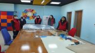Gençlik Merkezinden sağlık çalışanlarına siperlik maske