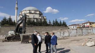 Çapanoğlu Büyük Cami etrafında çalışmalar başladı