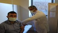 Sağlık çalışanlarına ikinci doz aşılama başladı