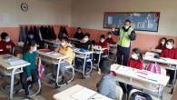 Jandarma, öğrencileri Kovid-19'a karşı bilgilendirdi