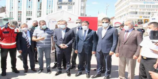 Yozgat'ta bürokratlardan aşı kampanyasına destek