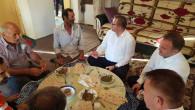 Vali Polat, söz verdiği Zeynep ve İbiş çiftinin evine konuk oldu