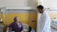 Başhekim Kozan'dan hastalara moral ziyareti